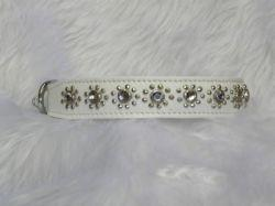 Small White Cat or Puppy Dog Collar With Flower Jewel Fits Neck 9-10.5""
